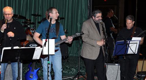 http://tbsfl.org/images/CafeNight/Rabbi-&-Burt-singing-websit.jpg