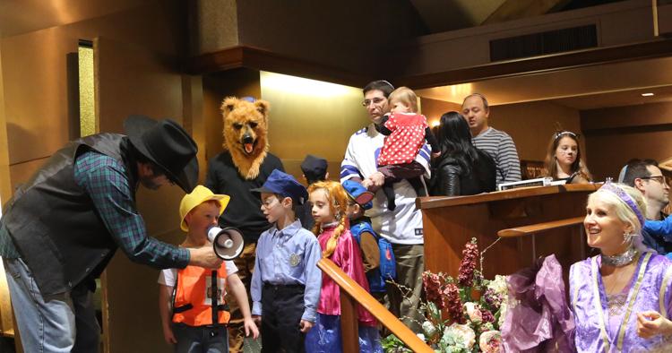 http://tbsfl.org/images/Purim2016/Rabbi,Debbie,kids-goodone.jpg